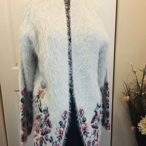Knox Rose Open Sweater size small